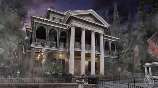 haunted-mansion-fog-00-990x556