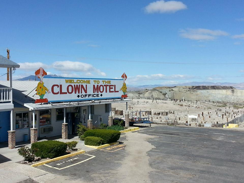 clown-motel-1